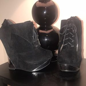 BLACK FAUX SUEDE METALLIC WEDGES